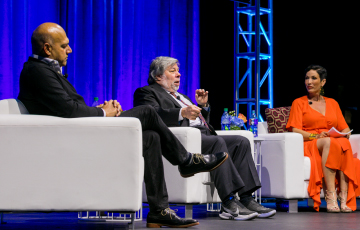 Steve Wozniak and Salim Ismail at 50th Anniversary Industry 4.0 Conference