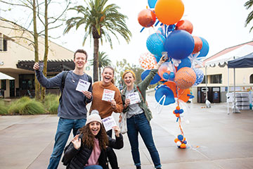 Students celebrate their contributions to Pepperdine Fund's Give2Pepp event - Pepperdine University