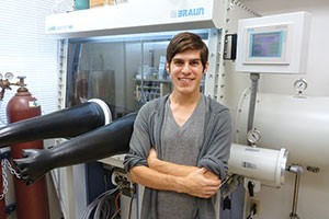 Researcher Logan Schmitz in the Pepperdine chemistry research lab.