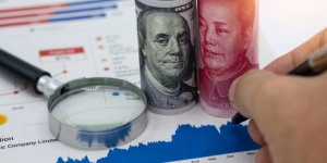 United States and China currency