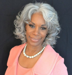 Dr. Helen Easterling Williams Shares Her Leadership Journey on 94.7 The Wave as Part of Community Achievers Recognition Campaign