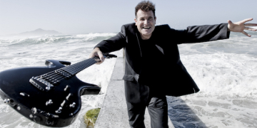 South African Musician and Political Activist Johnny Clegg Performs at Smothers Theatre