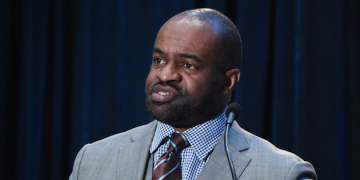 NFLPA Executive to Discuss the Sports Industry and Labor Laws