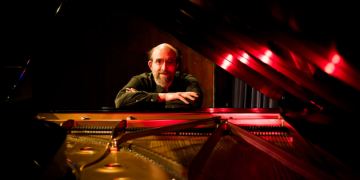 Pianist George Winston to Perform at Smothers Theatre