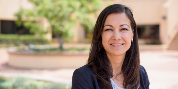 Public Policy Professor Examines Retirement Saving Behaviors among Hispanic Women