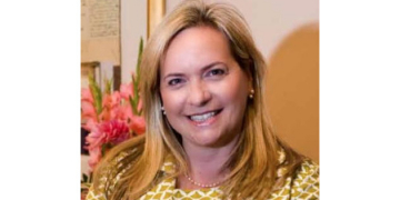 Alumna Nancy Padberg Recognized as a 2021 Outstanding Woman in Business by the Phoenix Business Journal