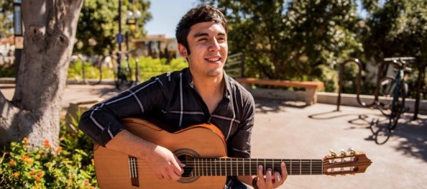 Seaver College student plays guitar - Pepperdine Magazine